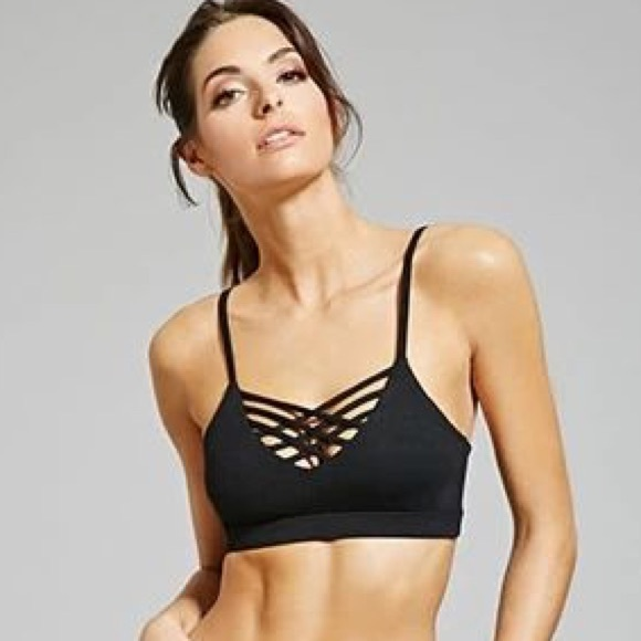 7422974136528 Forever 21 Other - Black Strappy Sports Bra